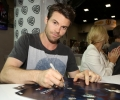 thumbs_daniel-gillies-signs-poster