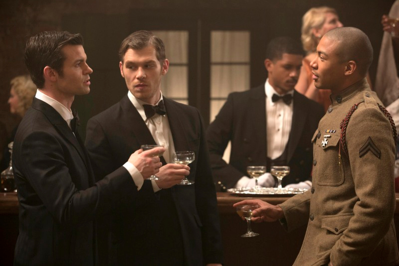 1x12 Dance Back from the Grave - Elijah, Klaus & Marcel