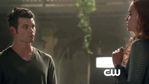 Capture Webclip2 1x18 Elijah et Genevieve