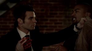 Résumé de l'épisode 18 saison 1  The Big Uneasy  Elijah Marcel