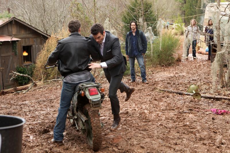 1x19 An Unblinking Death - Elijah et Jackson