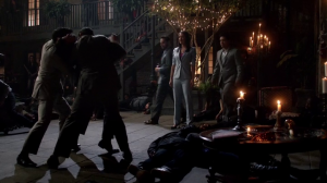 Résumé de l'épisode 21 saison 1  The Battle of New Orleans loups vs Elijah