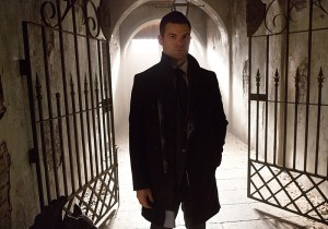 3x10 A Ghost Along the Mississippi - Elijah