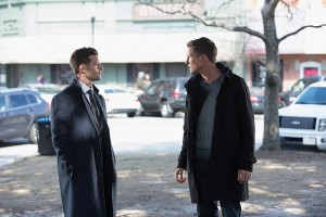 3x17 Behind the Black Horizon - Finn et Elijah (1)