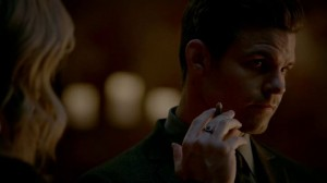 the originals 3x16 Elijah balle de chêne blanc