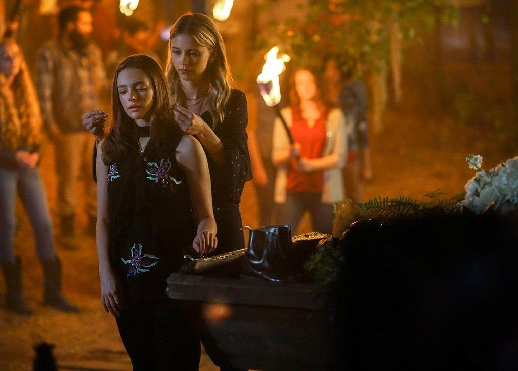 5*07 - God's Gonna Trouble the Water (06/06/2018) The-originals-5x07-freya-hope-ceremonie